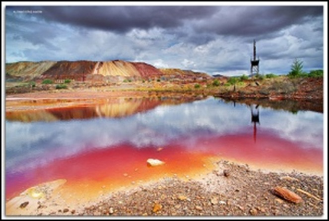 Acid toxic mine drainage is destroying underground dolomite of greater Witwatersrand and poisoning water systems 2010