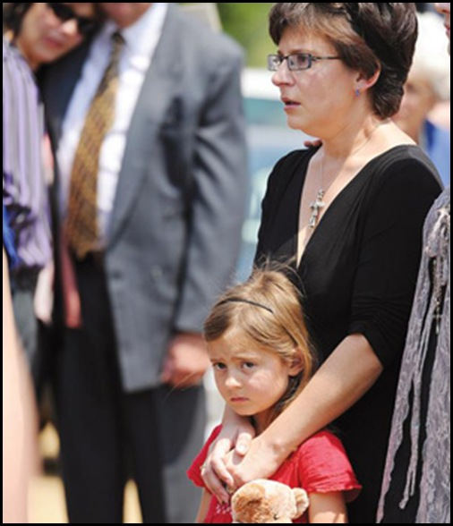 Mouton Mrs Coral and daughter Monay 6 who guarded murdered dad Christo's body all night