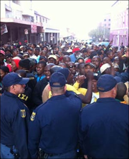 ANTI ANC VIOLENCE BY BLACKS AT LUTHULI HOUSE JHB AUG302011