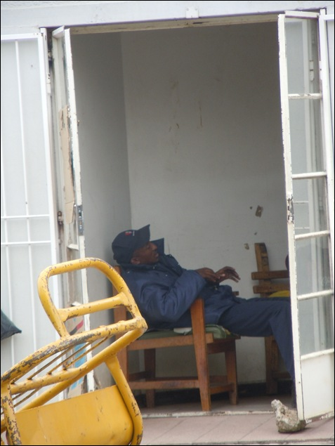 KROONSTAD STATION SLEEPING GUARD OCT24 2012